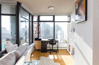 """Photo 5: 2106 128 W CORDOVA Street in Vancouver: Downtown VW Condo for sale in """"WOODWARDS W43"""" (Vancouver West)  : MLS®# R2222089"""