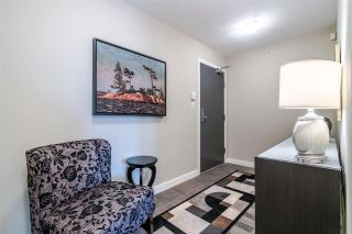 """Photo 4: 2103 583 BEACH Crescent in Vancouver: Yaletown Condo for sale in """"PARK WEST TWO"""" (Vancouver West)  : MLS®# R2361220"""