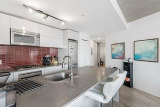 """Photo 12: 3208 128 W CORDOVA Street in Vancouver: Downtown VW Condo for sale in """"Woodwards (W43)"""" (Vancouver West)  : MLS®# R2538391"""