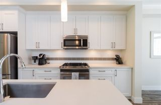 Photo 10: 66 3039 156 Street in Surrey: Grandview Surrey Townhouse for sale (South Surrey White Rock)  : MLS®# R2284872