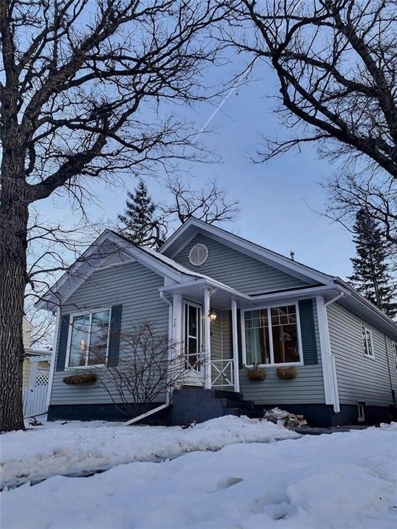 Main Photo: 70 Elm Park Road in Winnipeg: Elm Park Residential for sale (2C)  : MLS®# 202103924