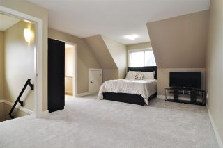 """Photo 19: 39 7298 199A Street in Langley: Willoughby Heights Townhouse for sale in """"York"""" : MLS®# R2542570"""