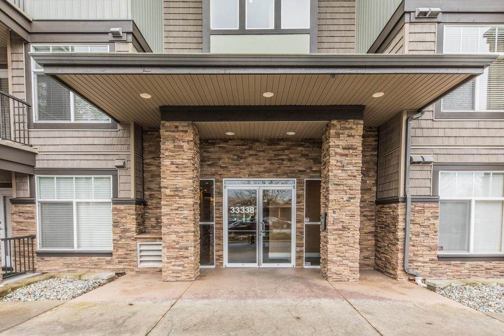 Photo 18: Photos: 211 33338 MAYFAIR Avenue in Abbotsford: Central Abbotsford Condo for sale : MLS®# R2327963