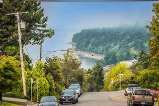 """Photo 31: 101 15080 PROSPECT Avenue: White Rock Condo for sale in """"The Tiffany"""" (South Surrey White Rock)  : MLS®# R2610135"""