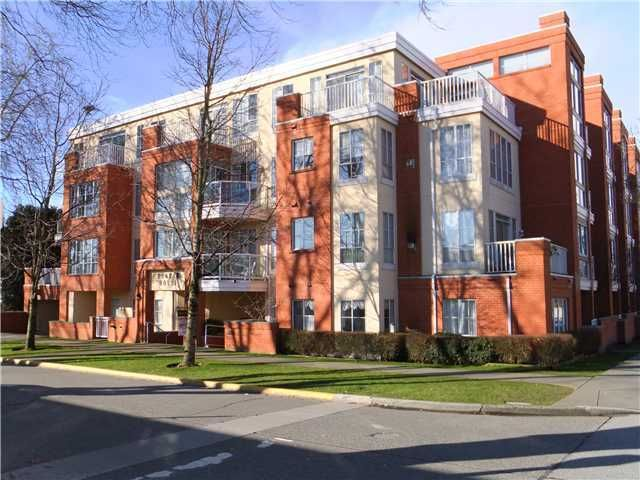 """Main Photo: # 303 3621 W 26TH AV in Vancouver: Dunbar Condo for sale in """"DUNBAR HOUSE"""" (Vancouver West)  : MLS®# V952567"""