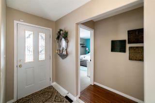 Photo 2: 106 GLENWOOD Crescent: St. Albert House for sale : MLS®# E4235916