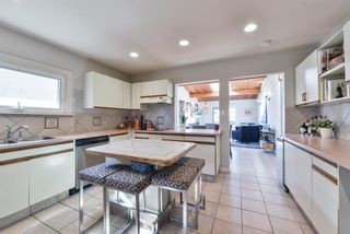 Photo 11: 1329 16 Street NW in Calgary: Hounsfield Heights/Briar Hill Detached for sale : MLS®# A1079306