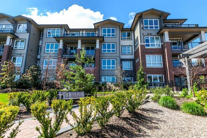 "Main Photo: 307 15188 29A Avenue in Surrey: King George Corridor Condo for sale in ""South Point Walk"" (South Surrey White Rock)  : MLS®# R2156584"