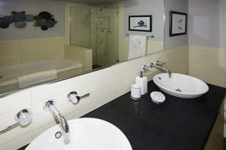 Photo 9:  in : Vancouver West Condo for sale : MLS®# R2094504