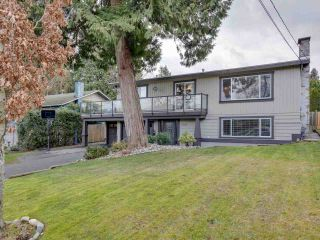 Photo 2: 5324 6 Avenue in Delta: Pebble Hill House for sale (Tsawwassen)  : MLS®# R2537670