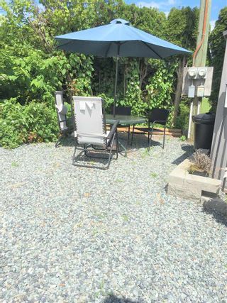 """Photo 11: A4 29666 FRASER Highway in Abbotsford: Aberdeen Manufactured Home for sale in """"Aloha Manufctured Homes & RV Park"""" : MLS®# R2469989"""