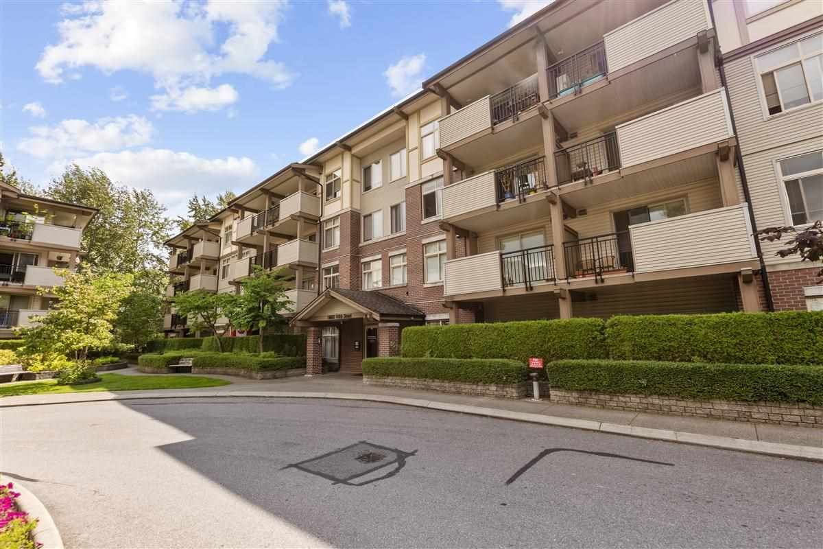 """Main Photo: 312 10088 148 Street in Surrey: Guildford Condo for sale in """"GUILDFORD PARK PLACE"""" (North Surrey)  : MLS®# R2526530"""