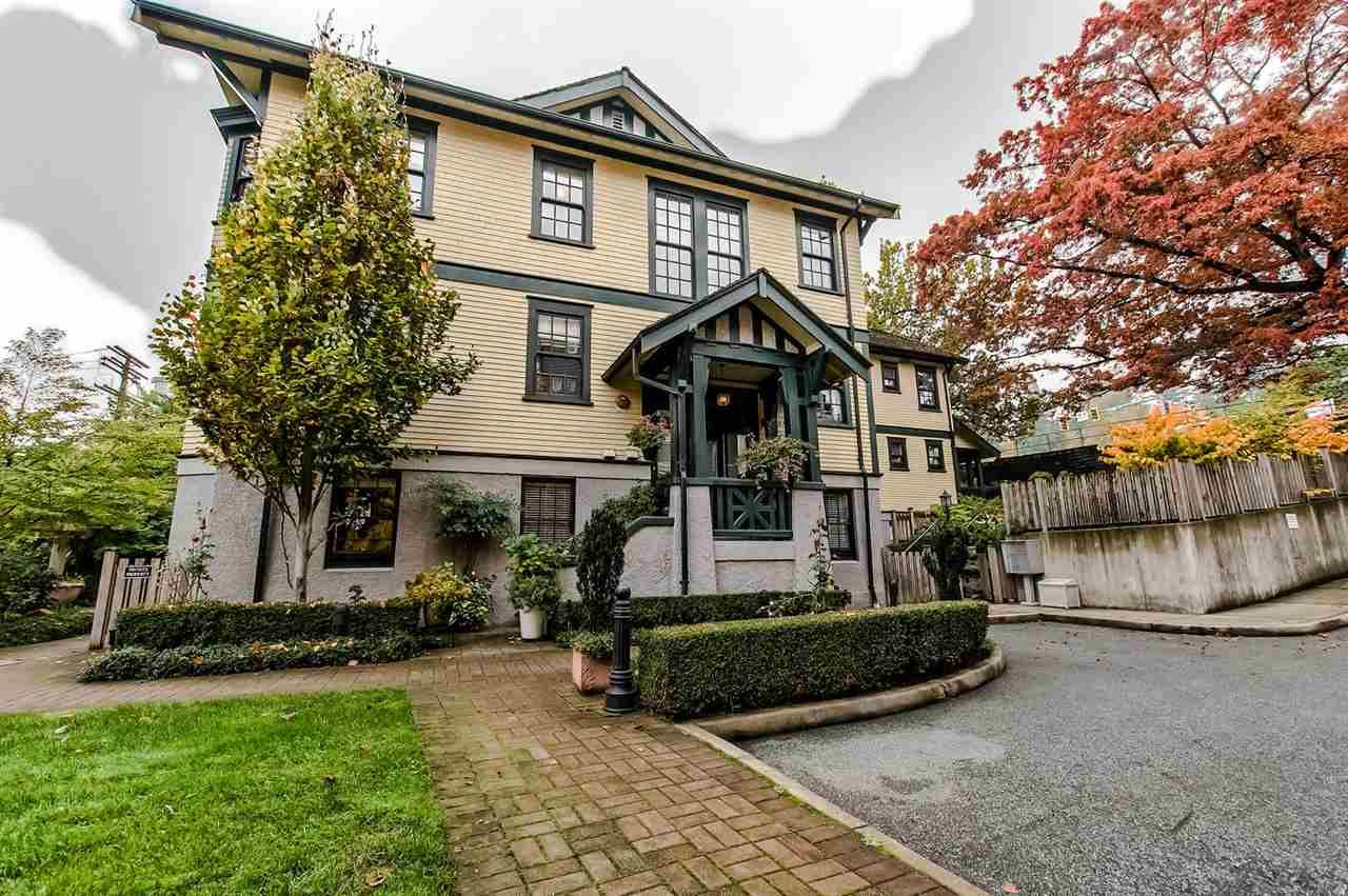 "Main Photo: 7 12 E ROYAL Avenue in New Westminster: Fraserview NW Townhouse for sale in ""NURSES LODGE"" : MLS®# R2218105"
