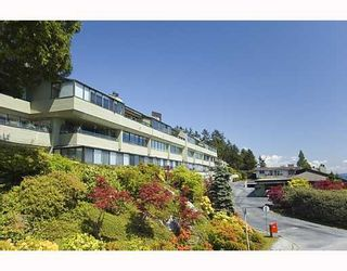 """Photo 7: 61 2212 FOLKESTONE Way in West Vancouver: Panorama Village Condo for sale in """"PANORAMA VILLAGE"""" : MLS®# R2072675"""