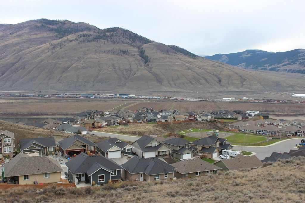 Photo 14: Photos: 2054 Saddleback Drive in Kamloops: Batchelor Heights House for sale : MLS®# 137815