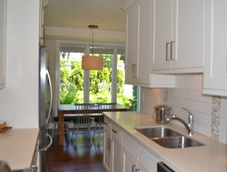 """Photo 8: 1787 NAPIER Street in Vancouver: Grandview VE Townhouse for sale in """"ROBERTSON PLACE"""" (Vancouver East)  : MLS®# R2171675"""