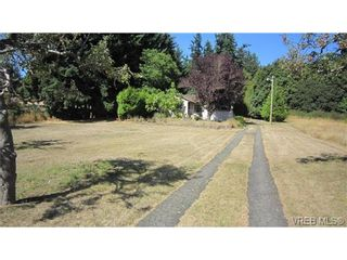 Photo 3: 474 Goldstream Ave in VICTORIA: Co Colwood Corners House for sale (Colwood)  : MLS®# 740853