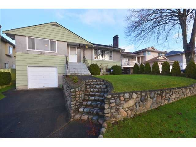 """Main Photo: 3915 WILLIAM Street in Burnaby: Willingdon Heights House for sale in """"WILLINGTON HEIGHTS"""" (Burnaby North)  : MLS®# V986116"""