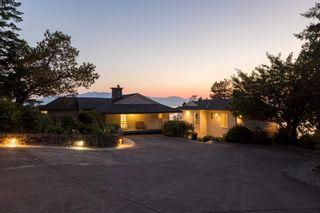 Photo 3: 11113 SUNSHINE COAST Highway in Halfmoon Bay: Halfmn Bay Secret Cv Redroofs House for sale (Sunshine Coast)  : MLS®# R2537674