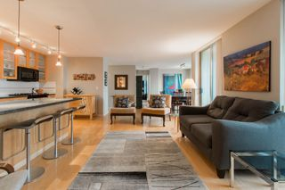 """Photo 6: 2603 969 RICHARDS Street in Vancouver: Downtown VW Condo for sale in """"Mondrian 2"""" (Vancouver West)  : MLS®# R2135133"""