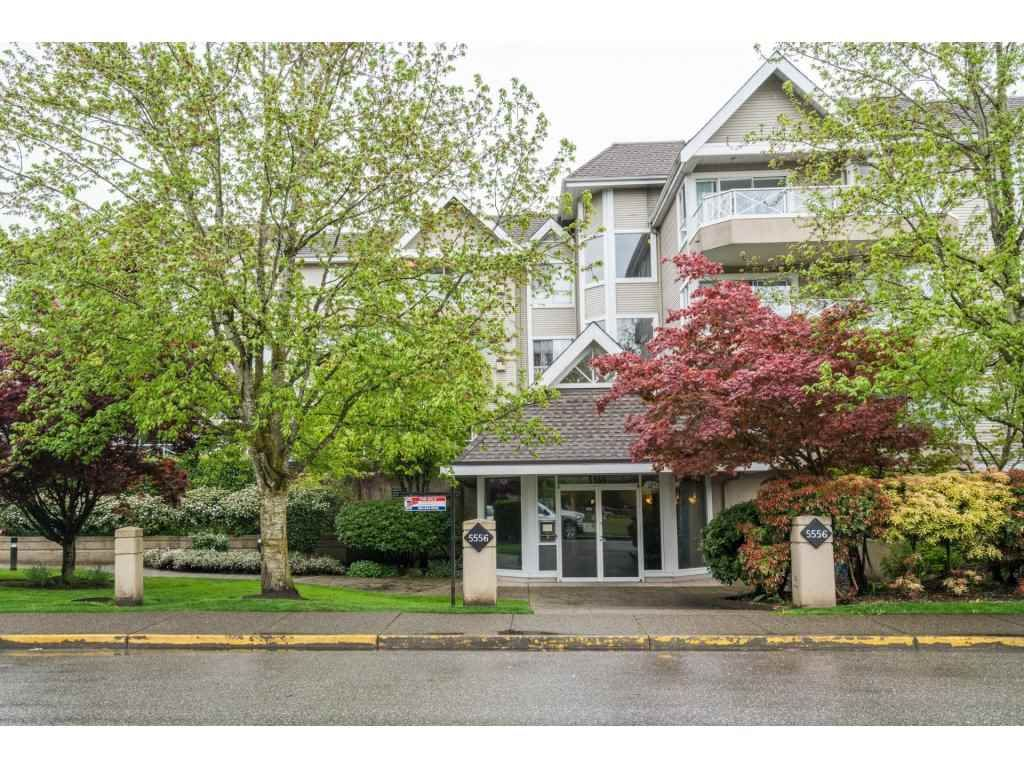 "Main Photo: 102 5556 201A Street in Langley: Langley City Condo for sale in ""Michaud Gardens"" : MLS®# R2162913"