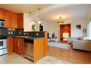 """Photo 11: 4472 QUEBEC Street in Vancouver: Main House for sale in """"MAIN STREET"""" (Vancouver East)  : MLS®# V1037297"""