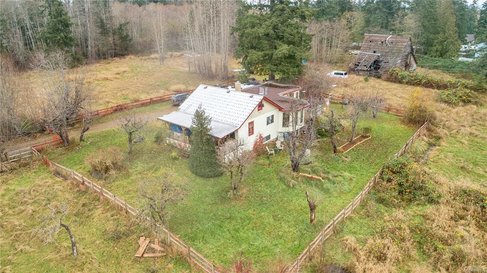 Photo 17: Photos: 8712 N Island Hwy in : CV Merville Black Creek Other for sale (Comox Valley)  : MLS®# 860803