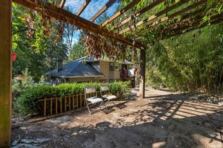 Photo 40: 2258 Trudie Terr in Langford: La Thetis Heights House for sale : MLS®# 884383