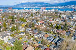 "Photo 20: 2142 NAPIER Street in Vancouver: Grandview Woodland House for sale in ""Grandview Woodland"" (Vancouver East)  : MLS®# R2450268"