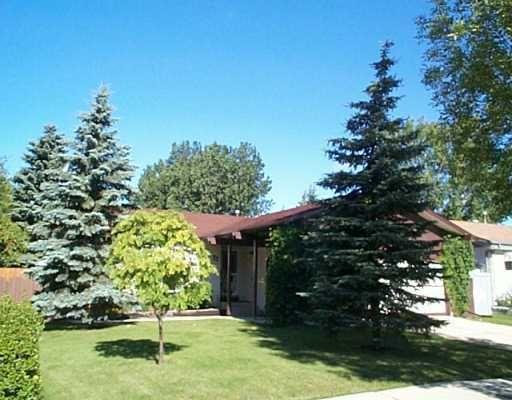 Main Photo: 22 HERRON Road in WINNIPEG: Maples / Tyndall Park Single Family Detached for sale (North West Winnipeg)  : MLS®# 2918291