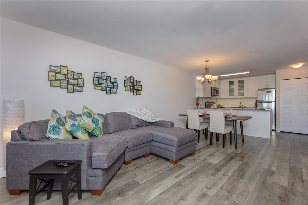 """Photo 4: Photos: 1804 3980 CARRIGAN Court in Burnaby: Government Road Condo for sale in """"Discovery Place"""" (Burnaby North)  : MLS®# R2465942"""