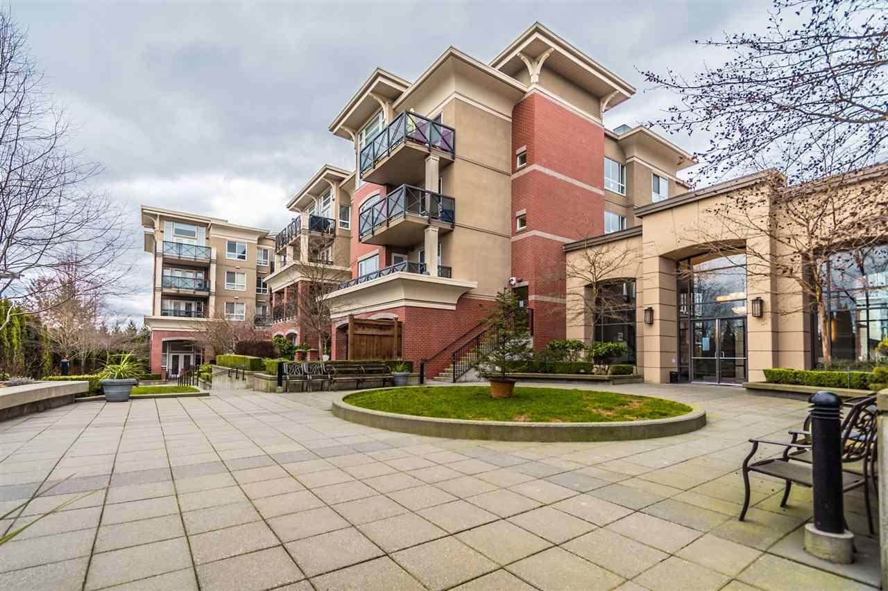 "Main Photo: 207 2970 KING GEORGE Boulevard in Surrey: King George Corridor Condo for sale in ""THE WATERMARK"" (South Surrey White Rock)  : MLS®# R2547717"