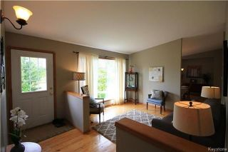Photo 3: 16 Candace Drive in Lorette: R05 Residential for sale : MLS®# 1721358