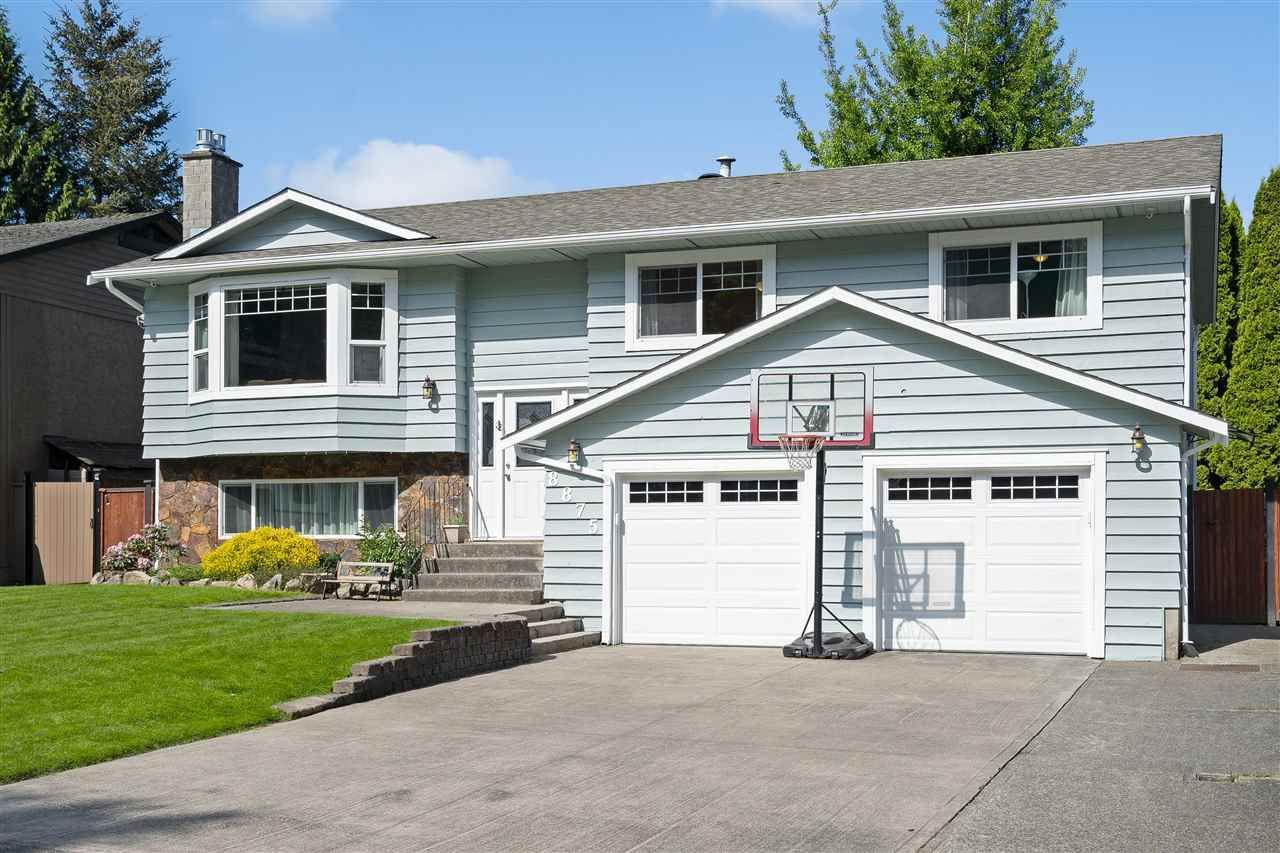 Main Photo: 8875 205 Street in Langley: Walnut Grove House for sale : MLS®# R2584982