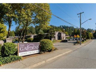 """Photo 1: 1626 34909 OLD YALE Road in Abbotsford: Abbotsford East Townhouse for sale in """"THE GARDENS"""" : MLS®# R2465342"""