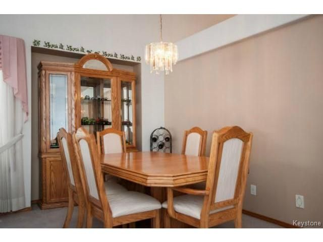 Photo 5: Photos: 588 BAIRDMORE Boulevard in WINNIPEG: Richmond West Residential for sale (South Winnipeg)  : MLS®# 1404598