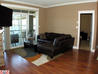 "Photo 5: 408 33338 MAYFAIR Avenue in Abbotsford: Central Abbotsford Condo for sale in ""The Sterling"" : MLS®# F1100570"