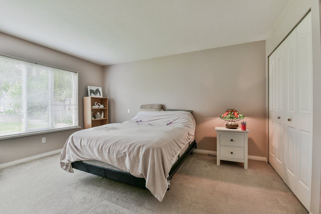 Photo 15: Photos: 6103 190 Street in Surrey: Cloverdale BC House for sale (Cloverdale)  : MLS®# R2269970