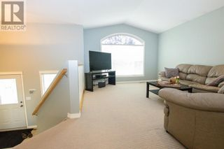 Photo 5: 14 Taylor Drive in Lacombe: House for sale : MLS®# A1131183