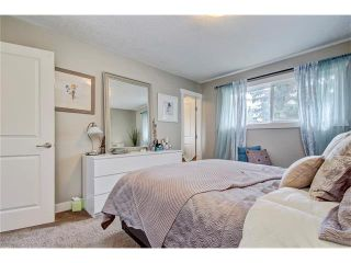 Photo 16: 544 OAKWOOD Place SW in Calgary: Oakridge House for sale : MLS®# C4084139