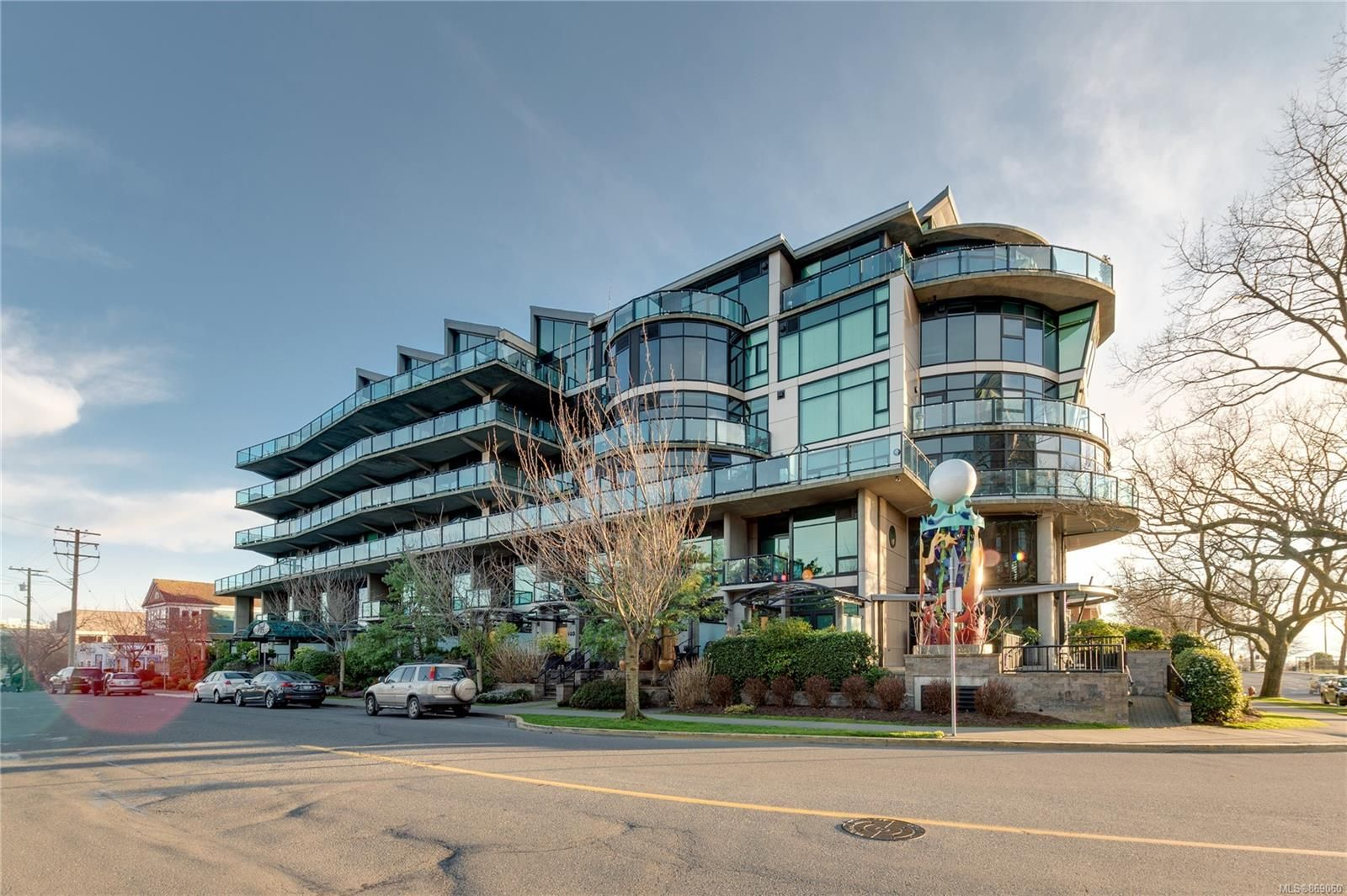 Main Photo: 413 21 Erie St in : Vi James Bay Condo for sale (Victoria)  : MLS®# 869060