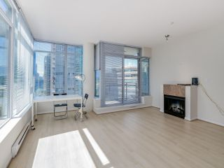 """Photo 3: 803 1211 MELVILLE Street in Vancouver: Coal Harbour Condo for sale in """"The Ritz"""" (Vancouver West)  : MLS®# R2084525"""