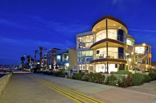 Photo 21: House for sale : 8 bedrooms : 3675 Ocean Front Walk in San Diego