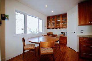 Photo 8: 915 40 Avenue NW in Calgary: Cambrian Heights Detached for sale : MLS®# A1050845