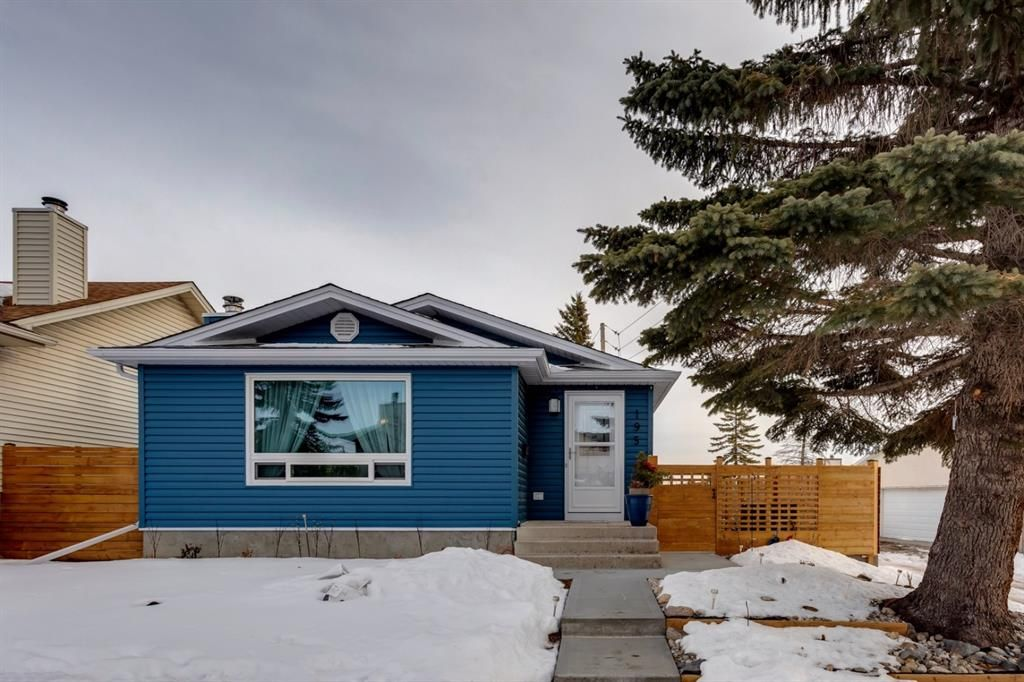 Main Photo: 195 Ranchridge Drive NW in Calgary: Ranchlands Detached for sale : MLS®# A1059846