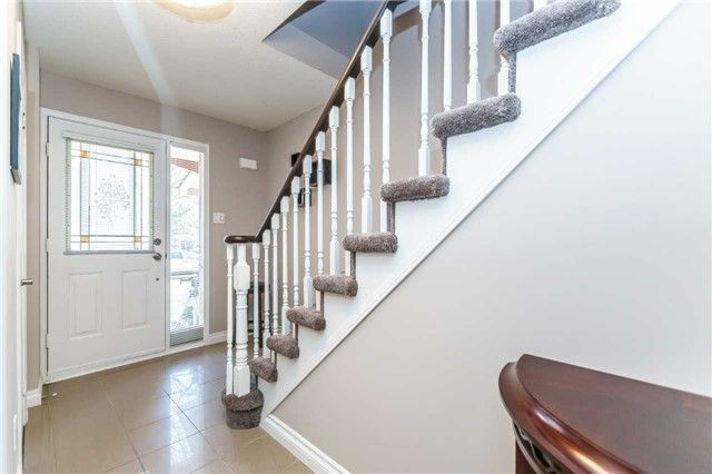 Photo 5: Photos: 48 1610 E Crawforth Street in Whitby: Blue Grass Meadows Condo for sale : MLS®# E4125009