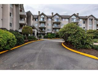 Photo 2: 409 45520 KNIGHT ROAD in Chilliwack: Sardis West Vedder Rd Condo for sale (Sardis)  : MLS®# R2434235