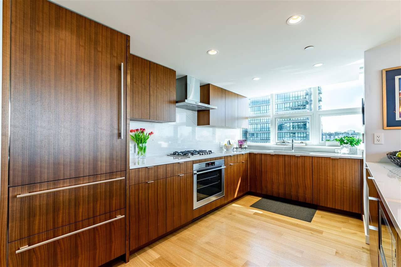 """Photo 9: Photos: 1605 120 MILROSS Avenue in Vancouver: Downtown VE Condo for sale in """"THE BRIGHTON BY BOSA"""" (Vancouver East)  : MLS®# R2568798"""