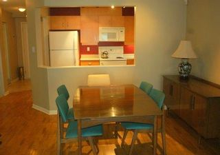 Photo 3: 207-108 W Esplanade Ave in North Vancouver: Lower Lonsdale Condo for sale : MLS®# V853153
