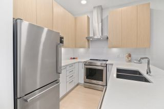 """Photo 7: 5413 LOUGHEED Highway in Burnaby: Parkcrest Townhouse for sale in """"SEASONS"""" (Burnaby North)  : MLS®# R2516986"""